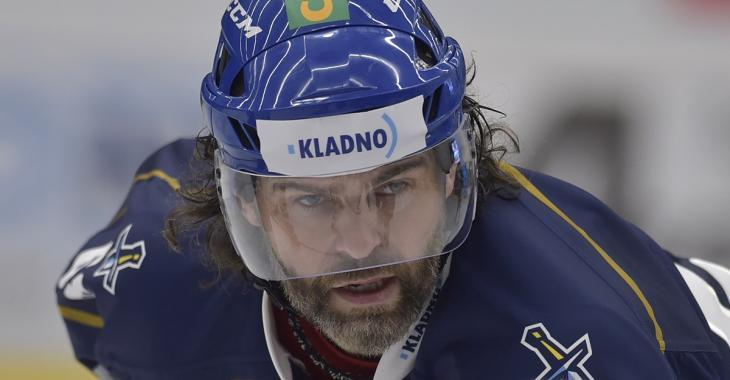 Jaromir Jagr continues to steal the show at 49 years old.